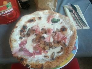 First Italian pizza ever in Venice!