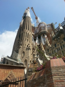 La Sagrada Familia... yeah we wish we waited in that long line. We had NO idea it was Gaudi's birthday... oops!