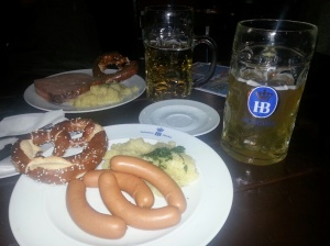 Hofbräuhaus. Sausages and a liter of beer