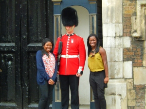 I've always wanted one of these pics with the guards. He even talked to us!