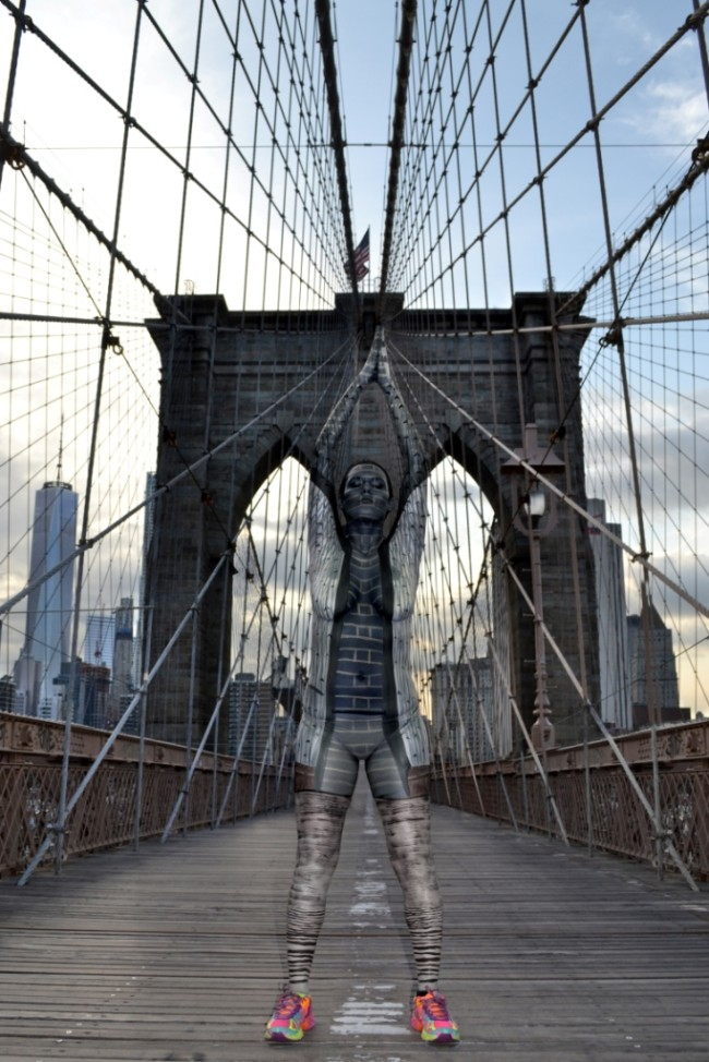 Brooklyn-Bridge-bodypaint-Trina-Merry-650x974