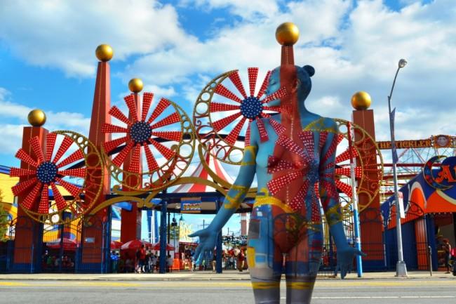 Coney-Island-Bodypaint-Trina-Merry-650x433